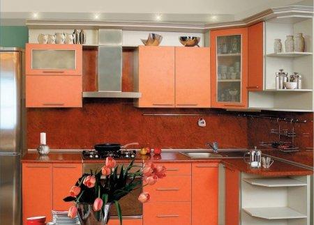 Кухня в коралловом цвете — изумительный дизайн в нежных тонах