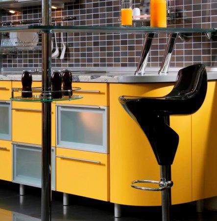 Желтая кухня
