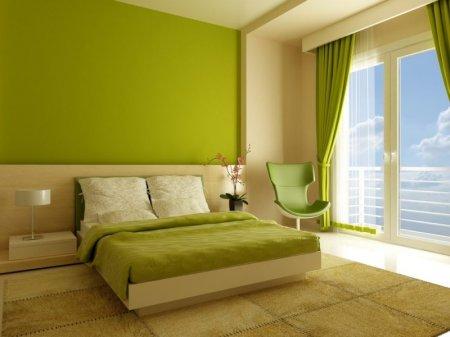 Зеленая спальня: атмосфера уюта и спокойствия.
