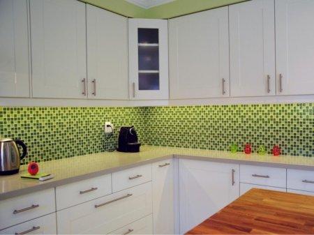 Кухня оливкового цвета - модная расцветка для интерьера