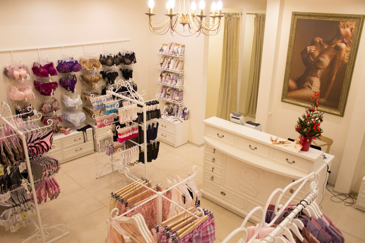 В магазине нижнего белья фото, русская госпожа села на лицо онлайн