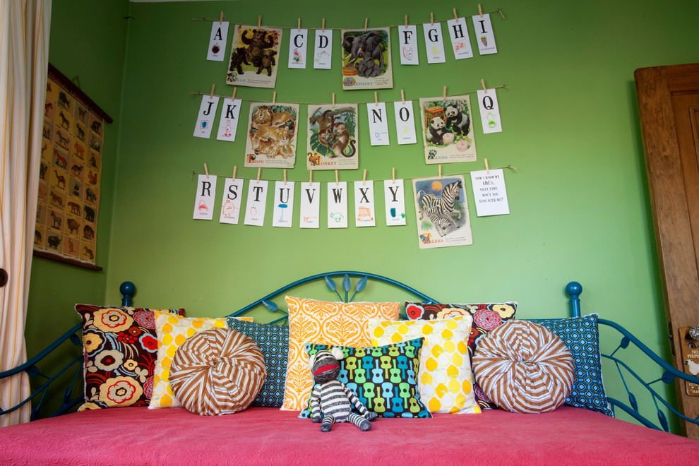 Как разукрасить детскую комнату своими руками 43