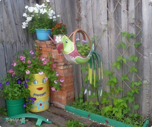 Как украсить двор своими руками в деревне фото