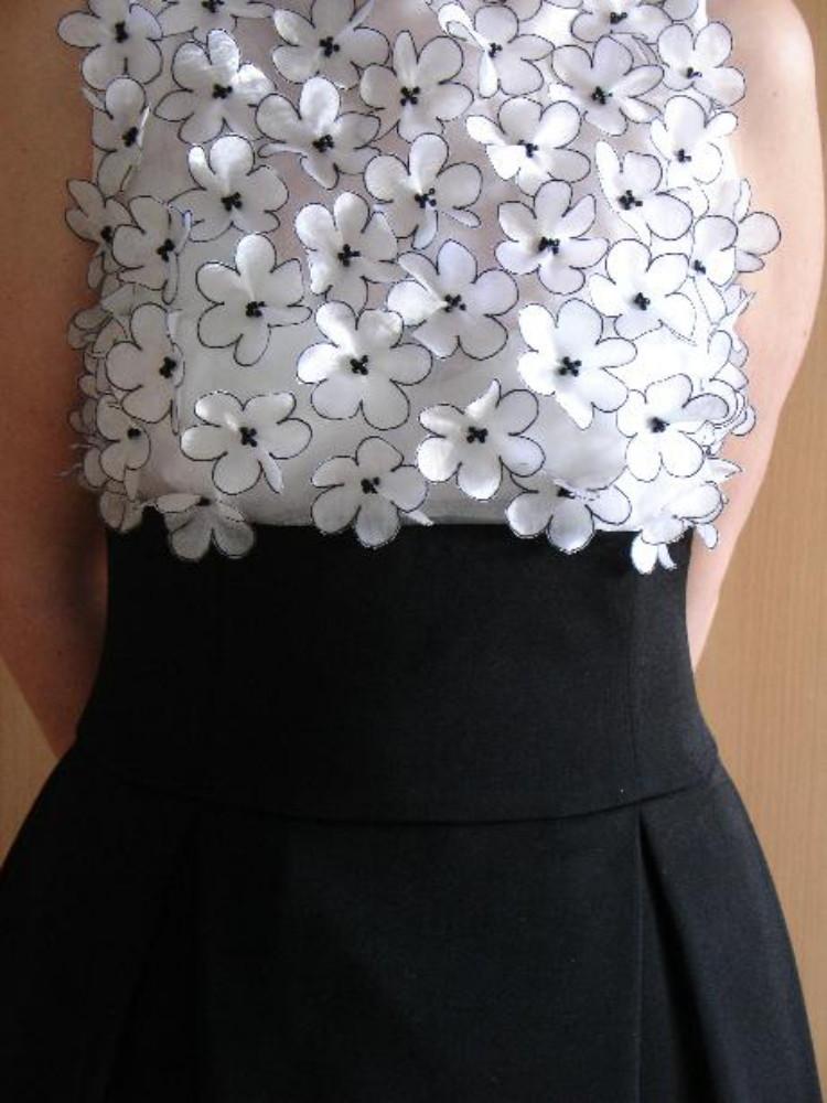 Красивые цветы на платье своими руками 54