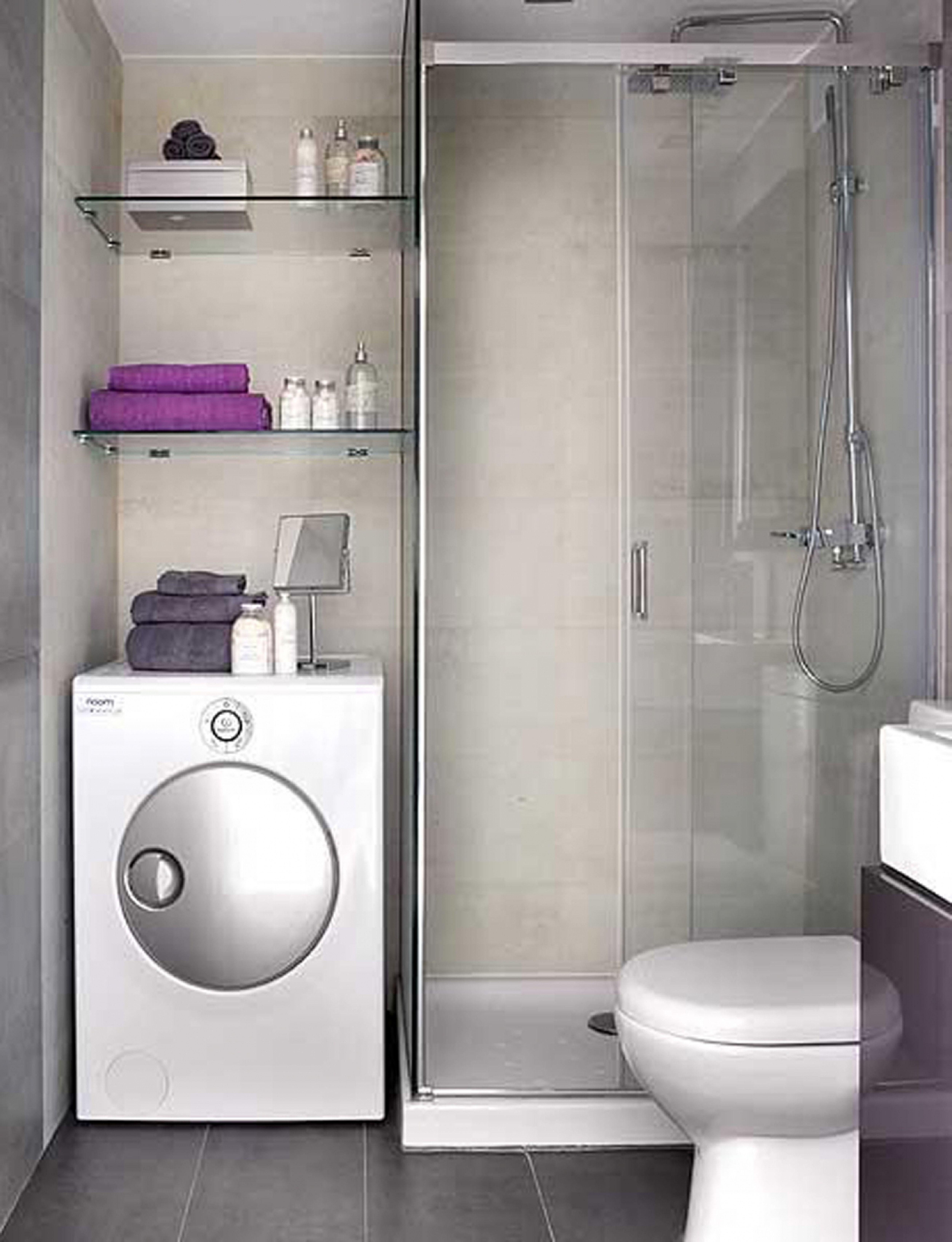 Дизайн с душевой кабиной в маленькой ванной комнате в