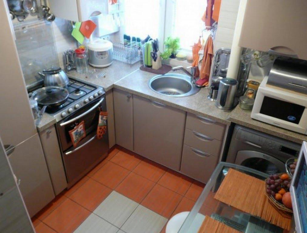 Маленькая кухня дизайн 4 кв м с холодильником