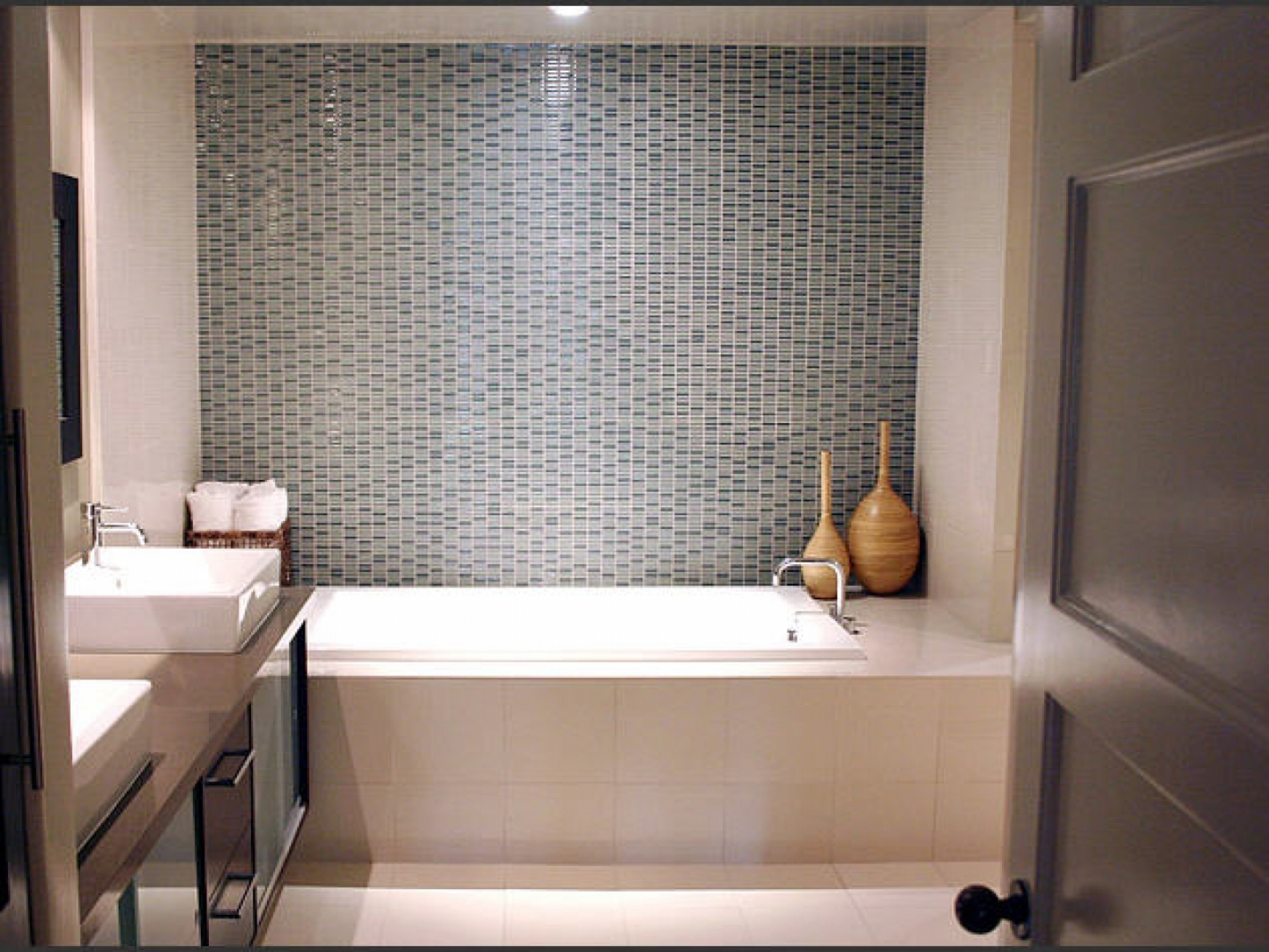 Маленькая ванная дизайн кафелем