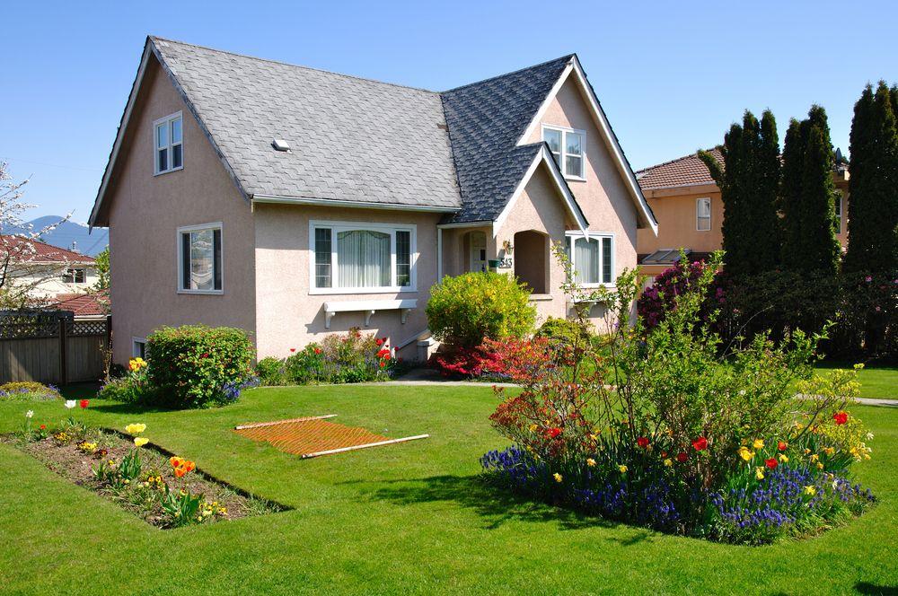 Дизайн двора небольшого частного дома