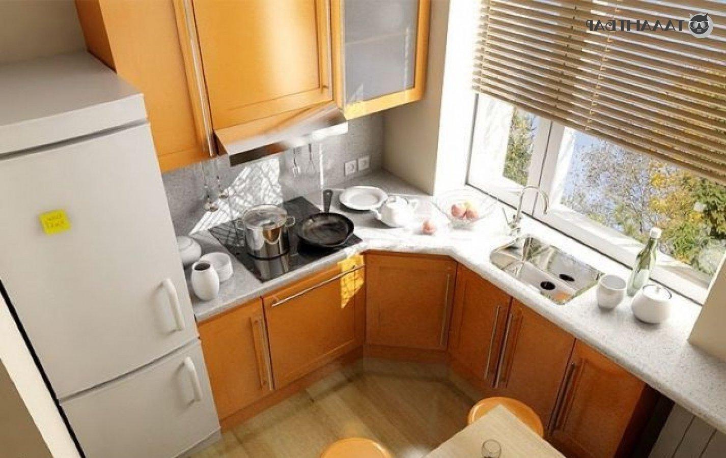 Дизайн угловой кухни в хрущевке с холодильником