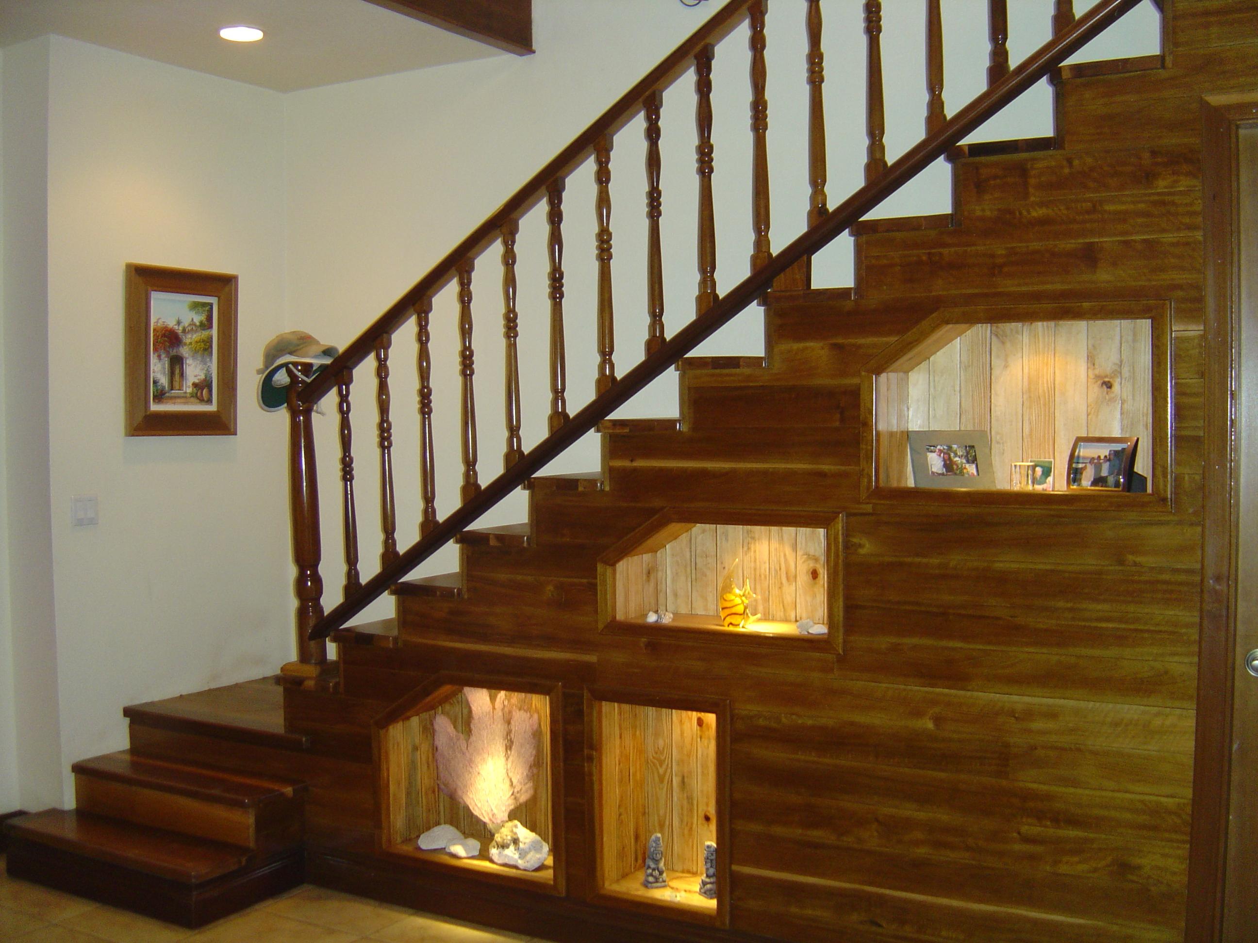Лестница в частном доме на второй этаж своими руками фото