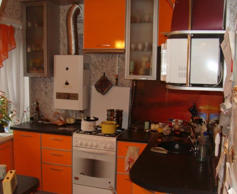 Кухни 6 кв с колонкой дизайн
