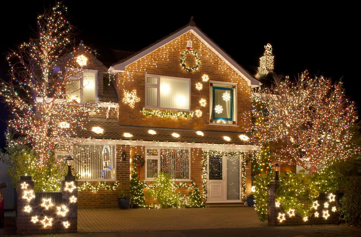 Как украсить дом на новый