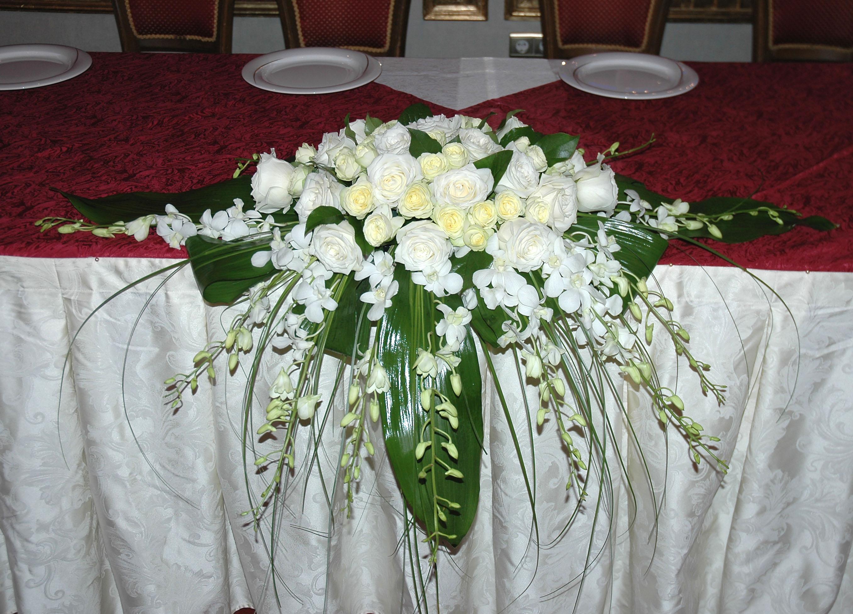 Как сделать цветы на стол молодоженов своими руками