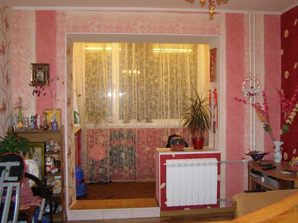 """Вместо балкона - кабинет. """" наша уютная квартирка """" квартиры."""