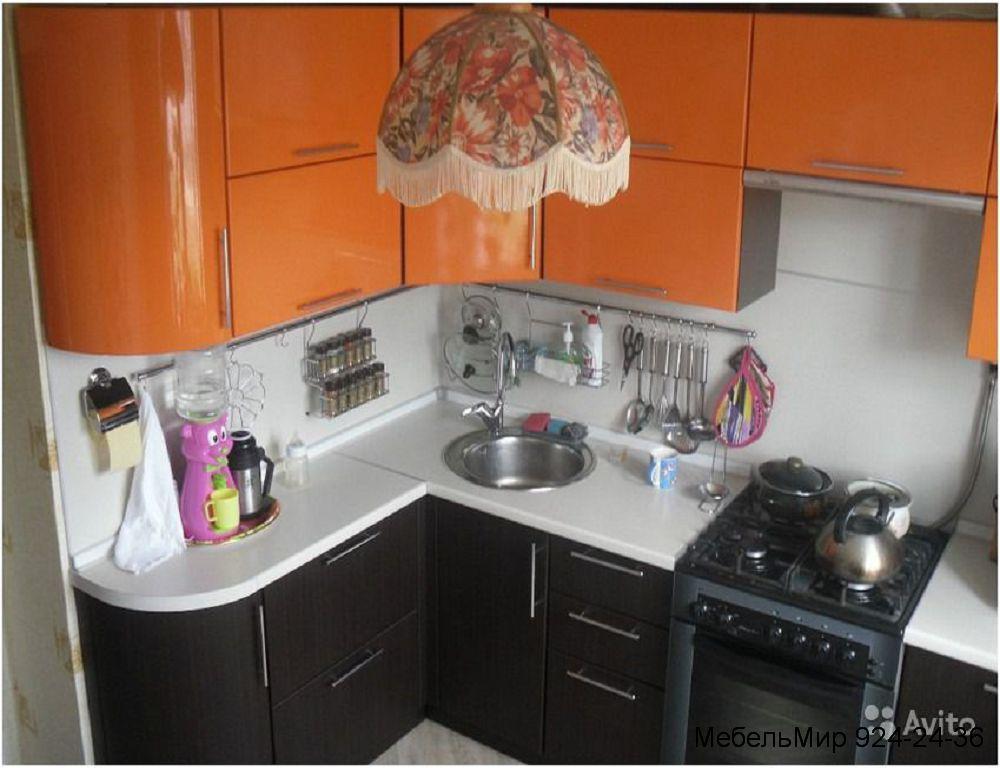 Фото дизайн угловой кухни в хрущевке