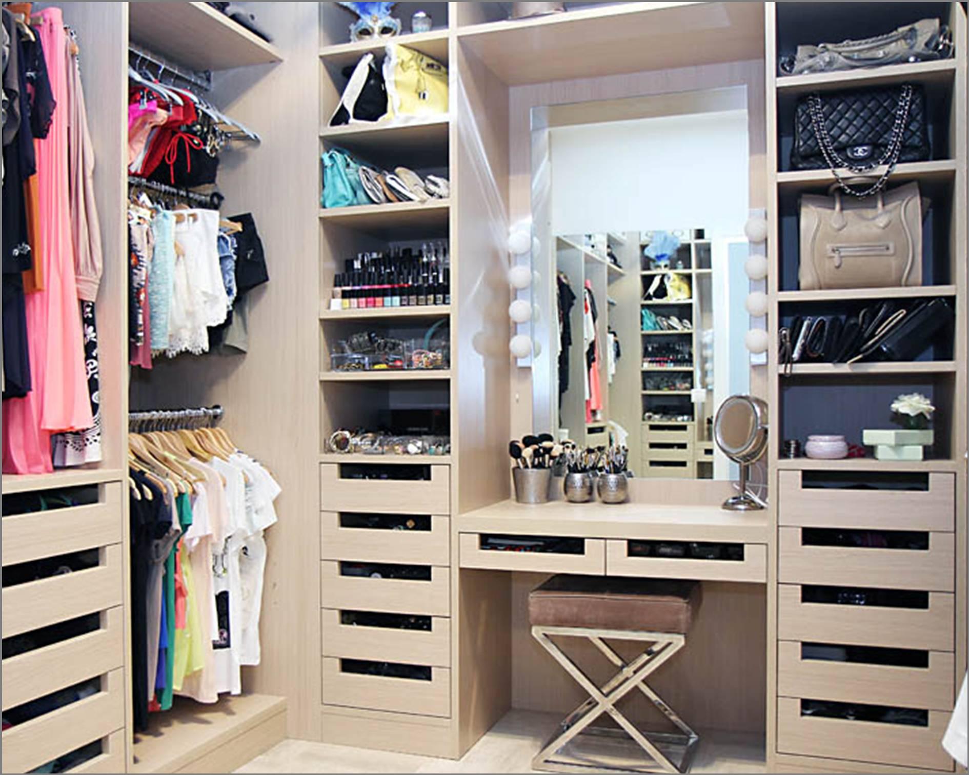 """Маленькие гардеробные комнаты дизайн """" современный дизайн."""