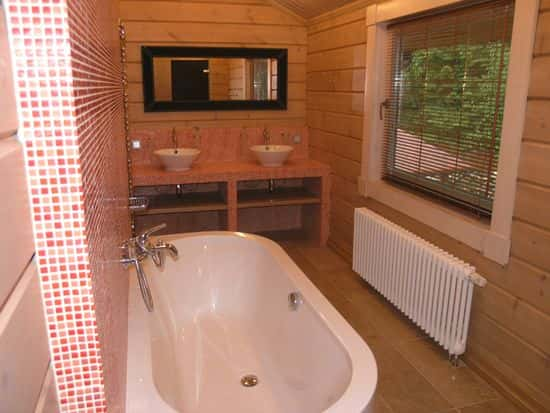 Отделка ванной комнаты в частном доме плиткой дизайн