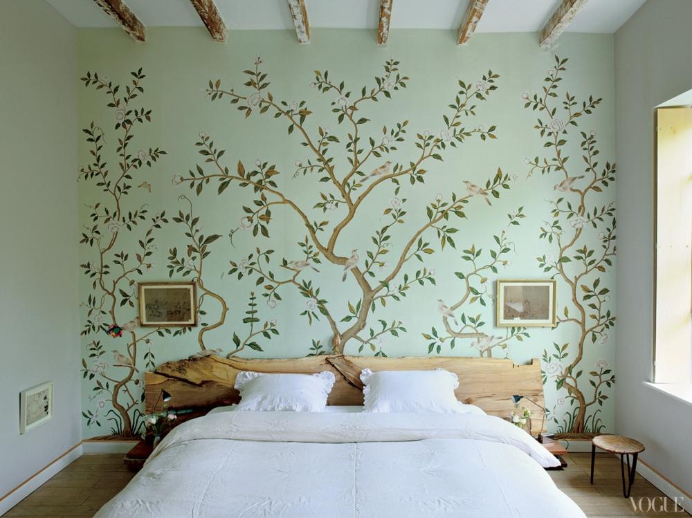 """Декор стен обоями в спальне """" Современный дизайн"""