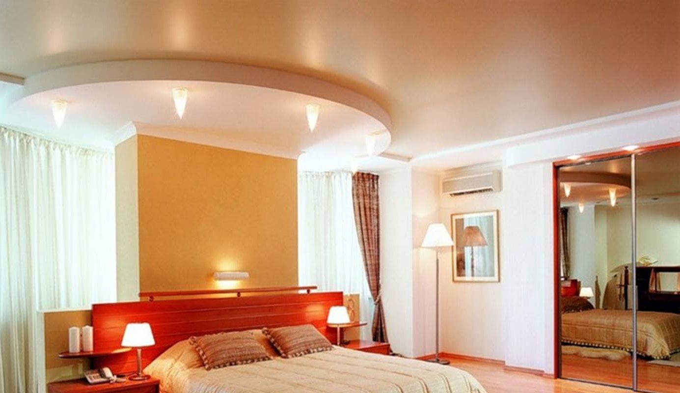 Дизайн красивых потолков в спальне