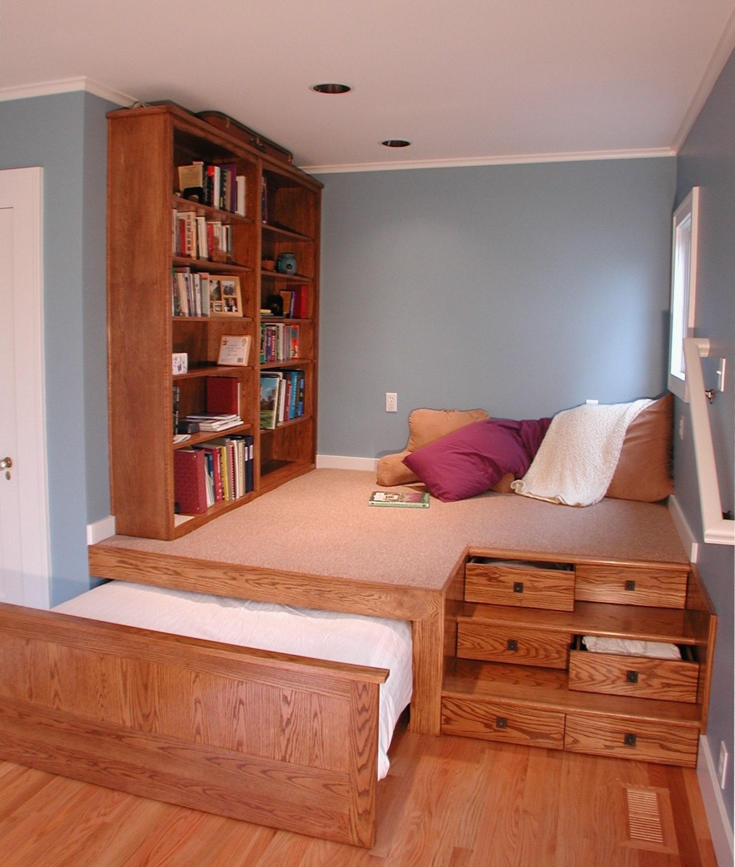 Увеличиваем пространство комнаты своими руками