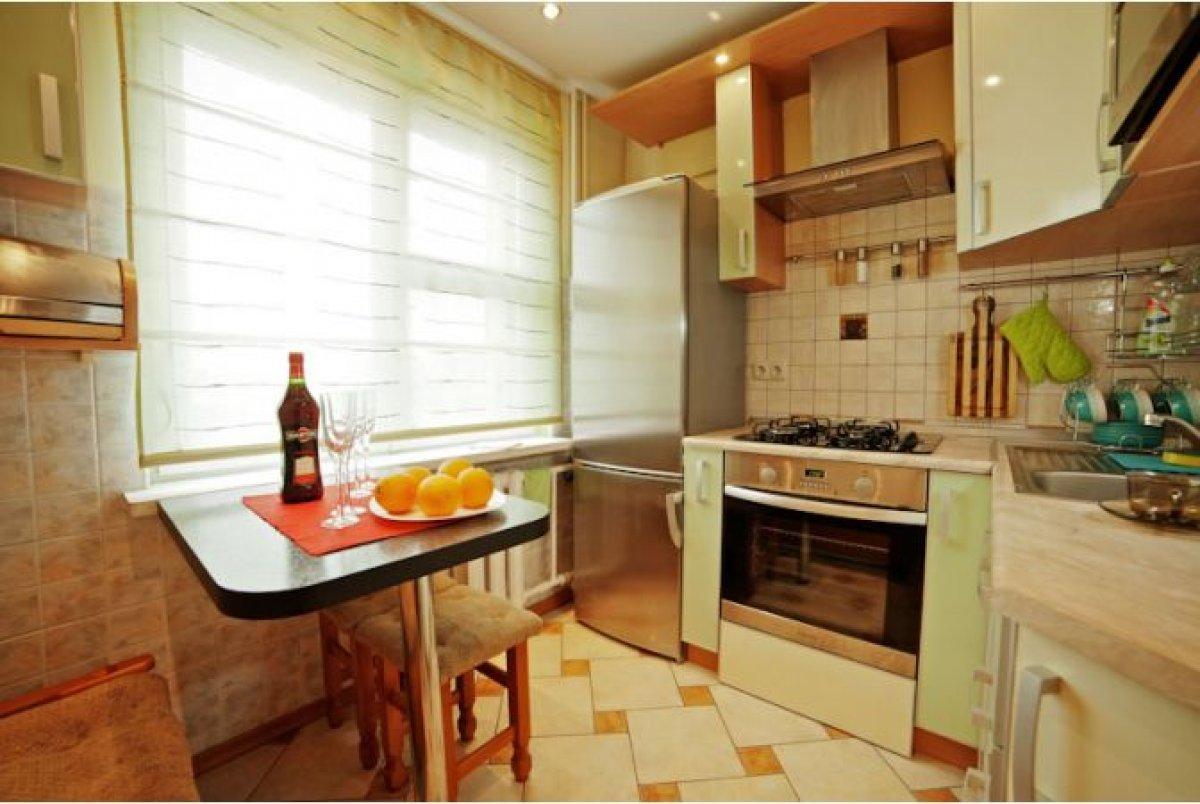Ремонт на кухне в трехкомнатной квартире