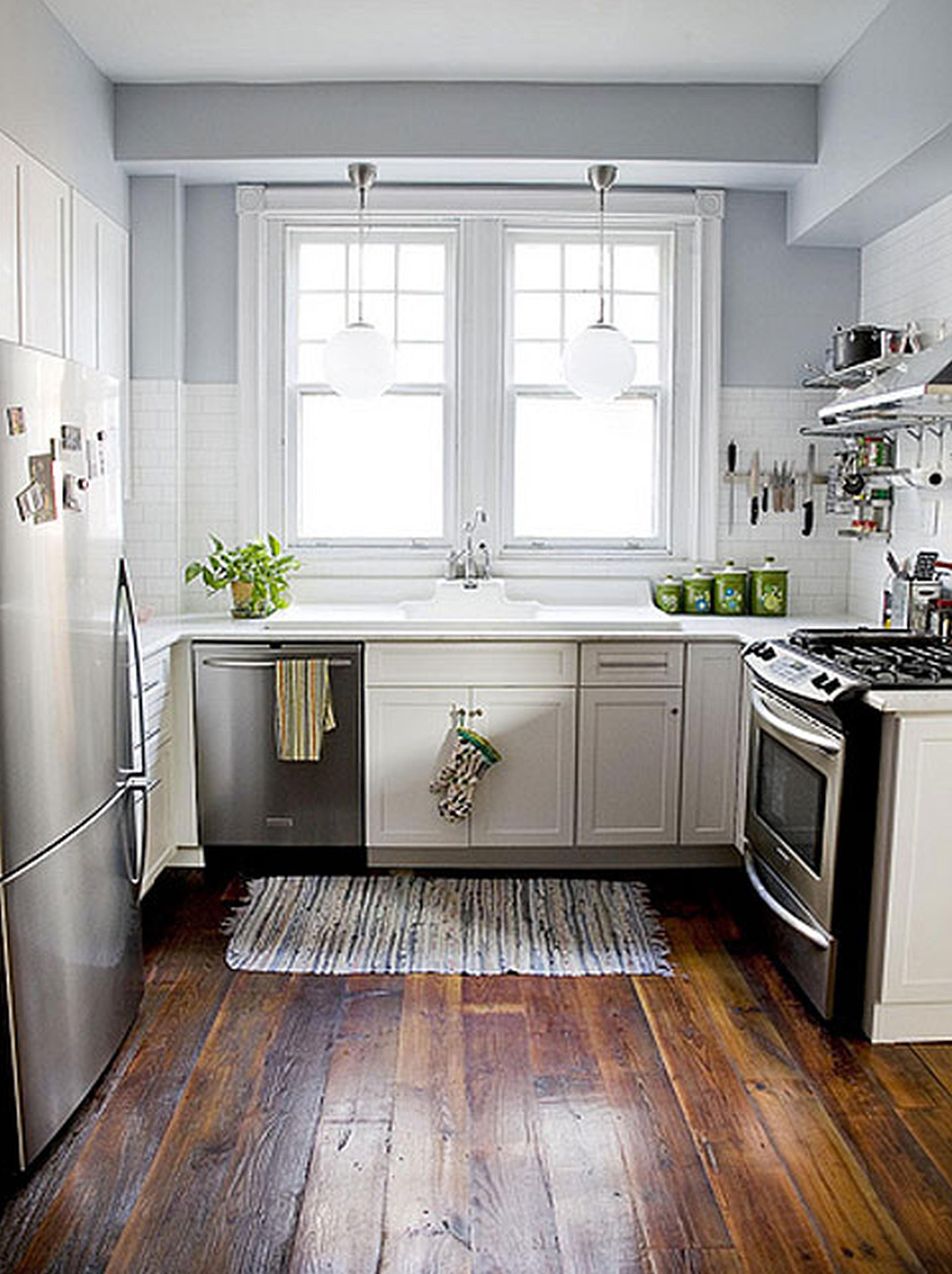 Кухня дизайн маленькая в частном доме