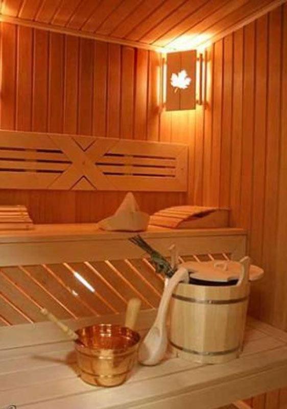 Большая теплая баня