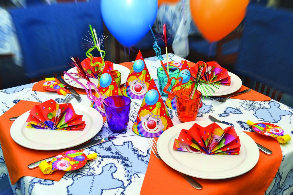 Украшение стола своими руками на день рождения