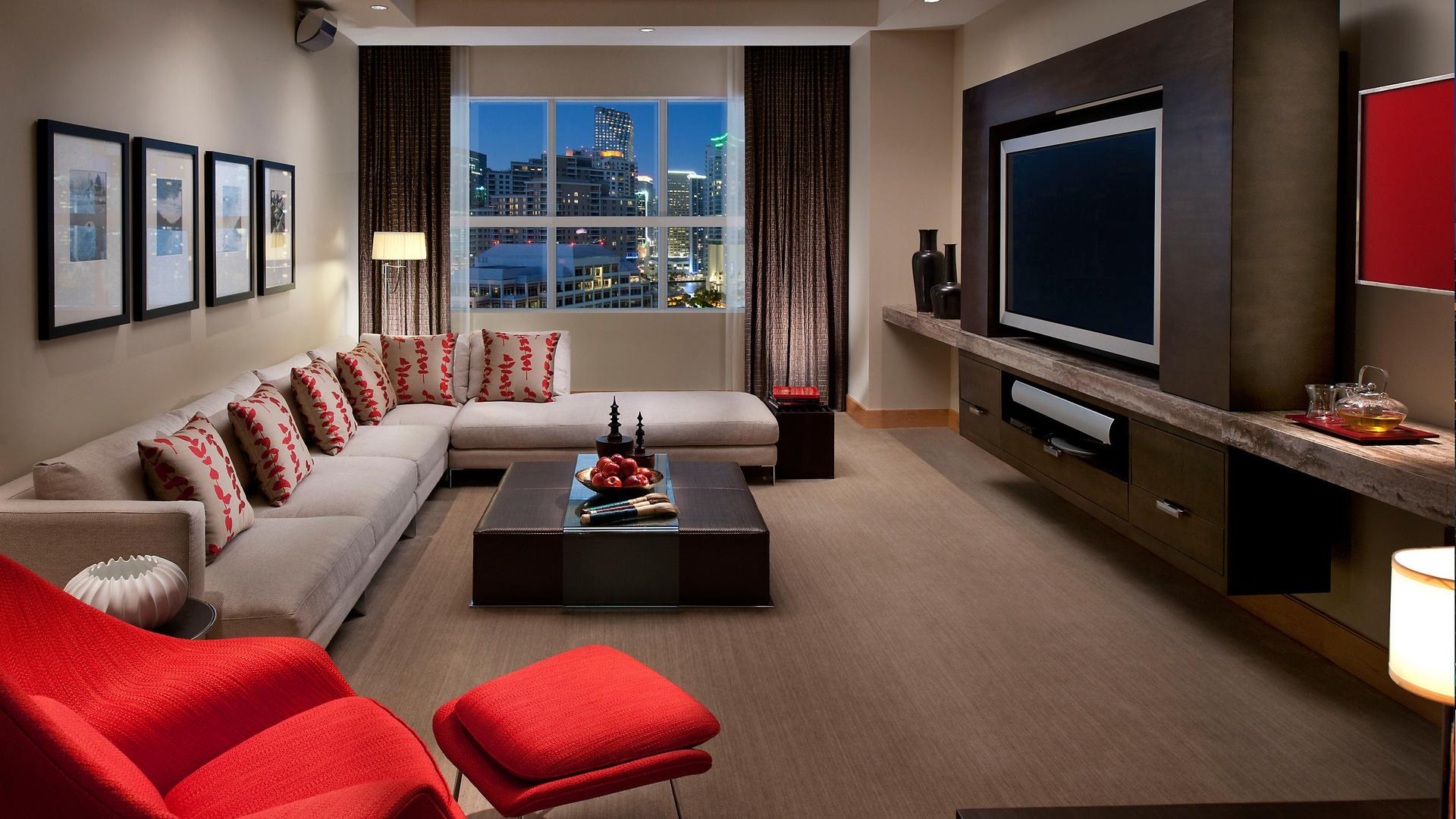 Дизайн гостиной с большим телевизором