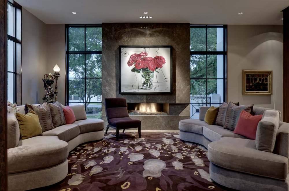 Дизайн комнаты с 2 окнами