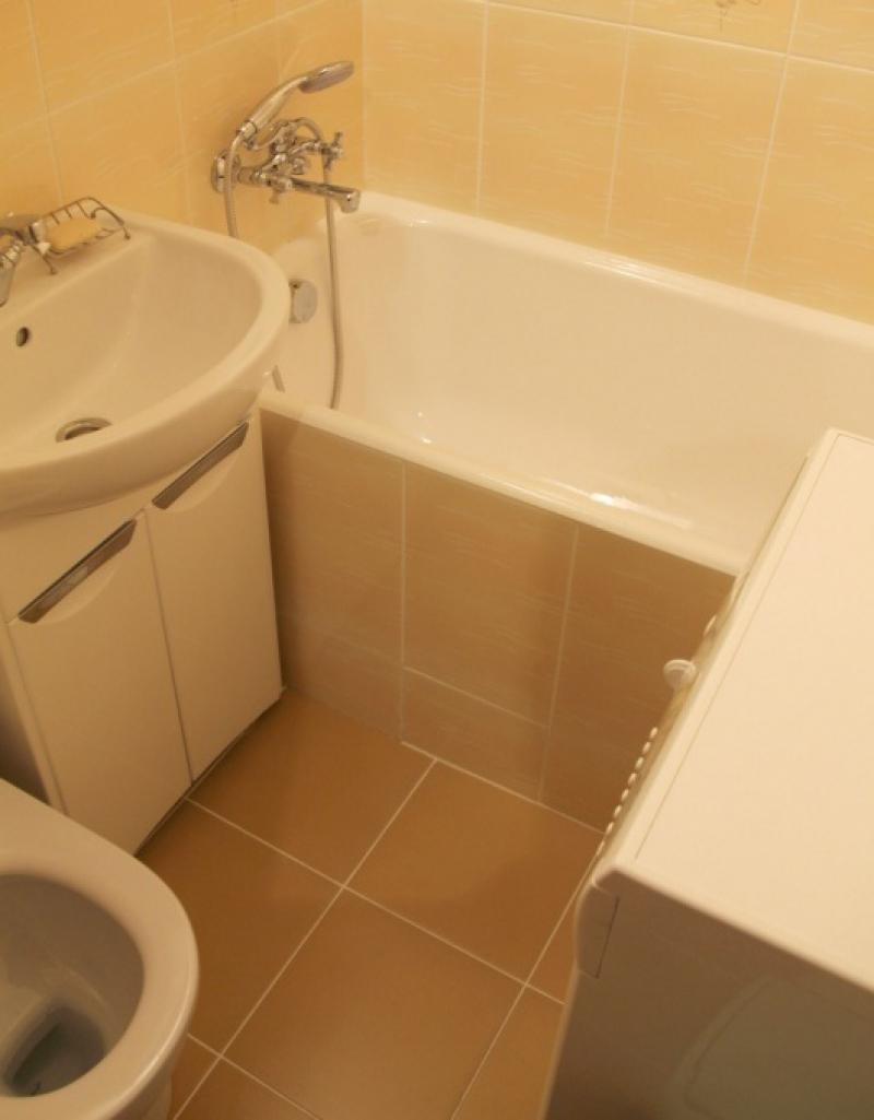 Ремонт панелями в ванной комнате совмещенной с туалетом в хрущевке