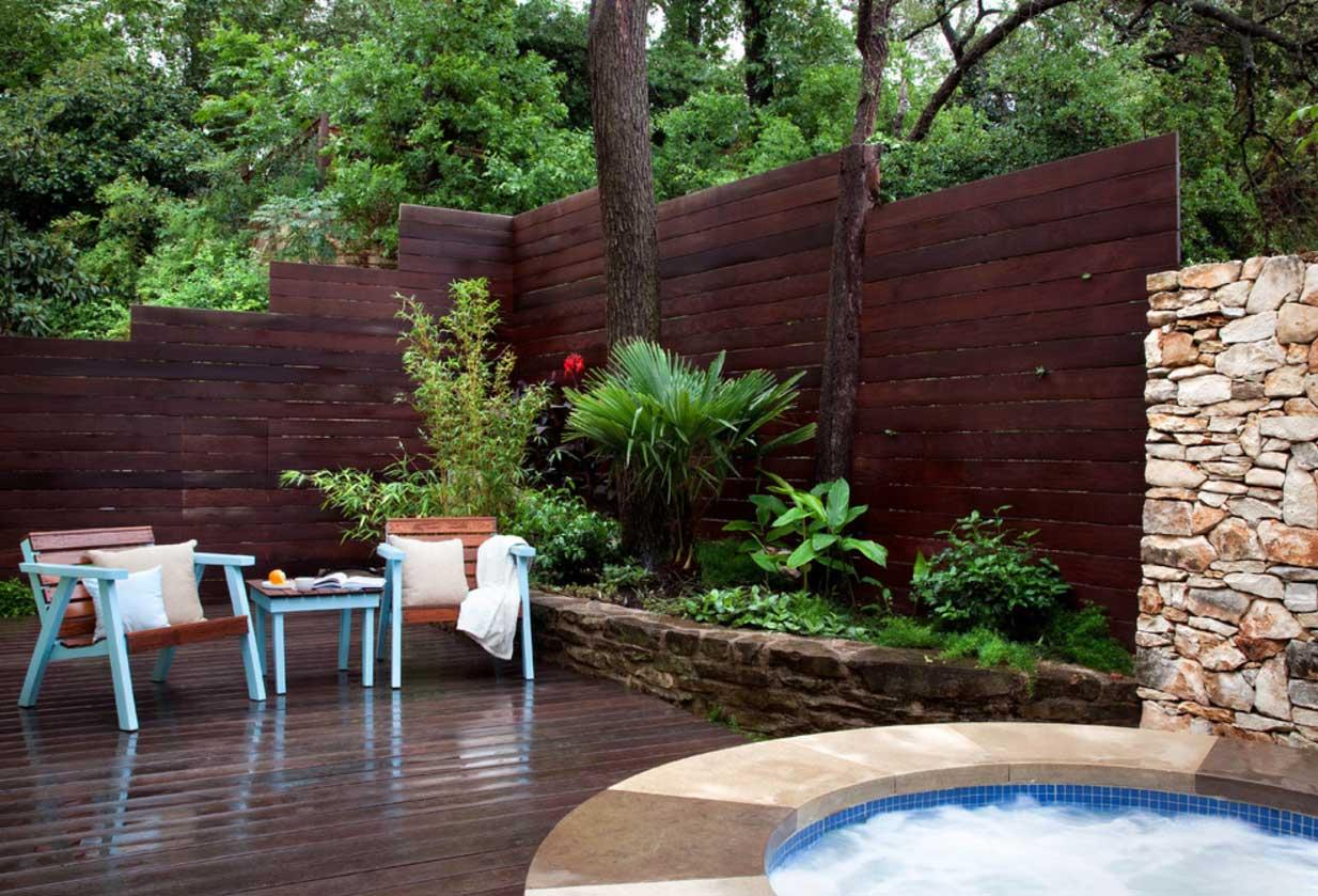 Дизайн ограды загородного дома