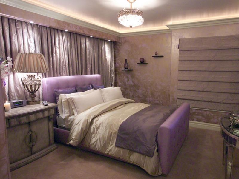 фото девушек на диванах в спальне