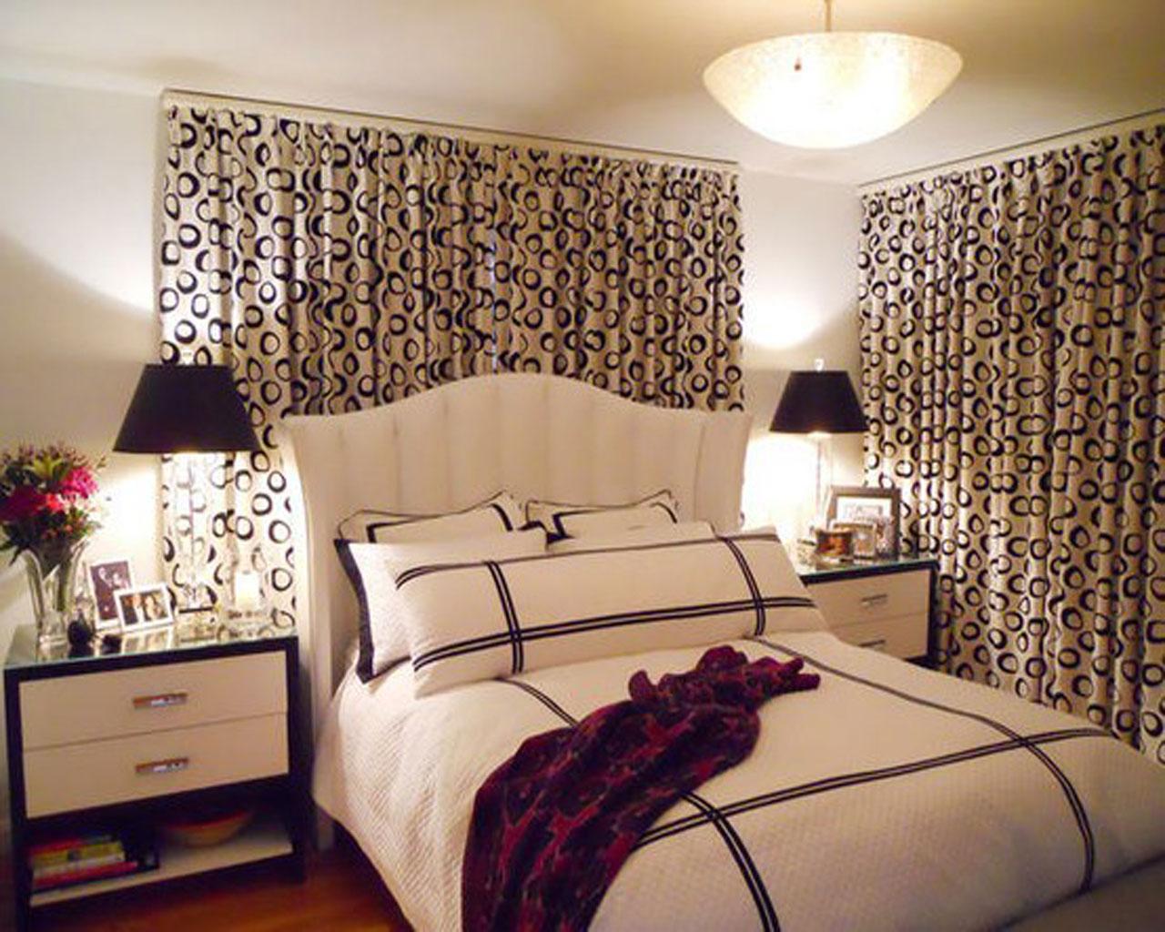 Дизайн спальни если окна на двух стенах