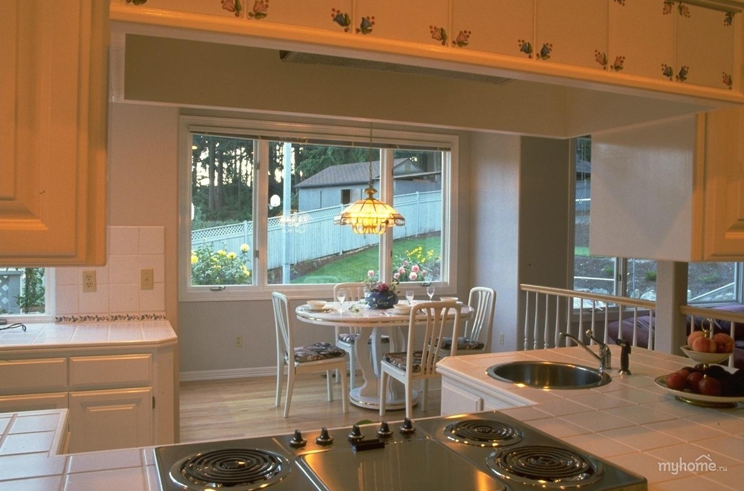 Небольшая кухня в частном доме дизайн