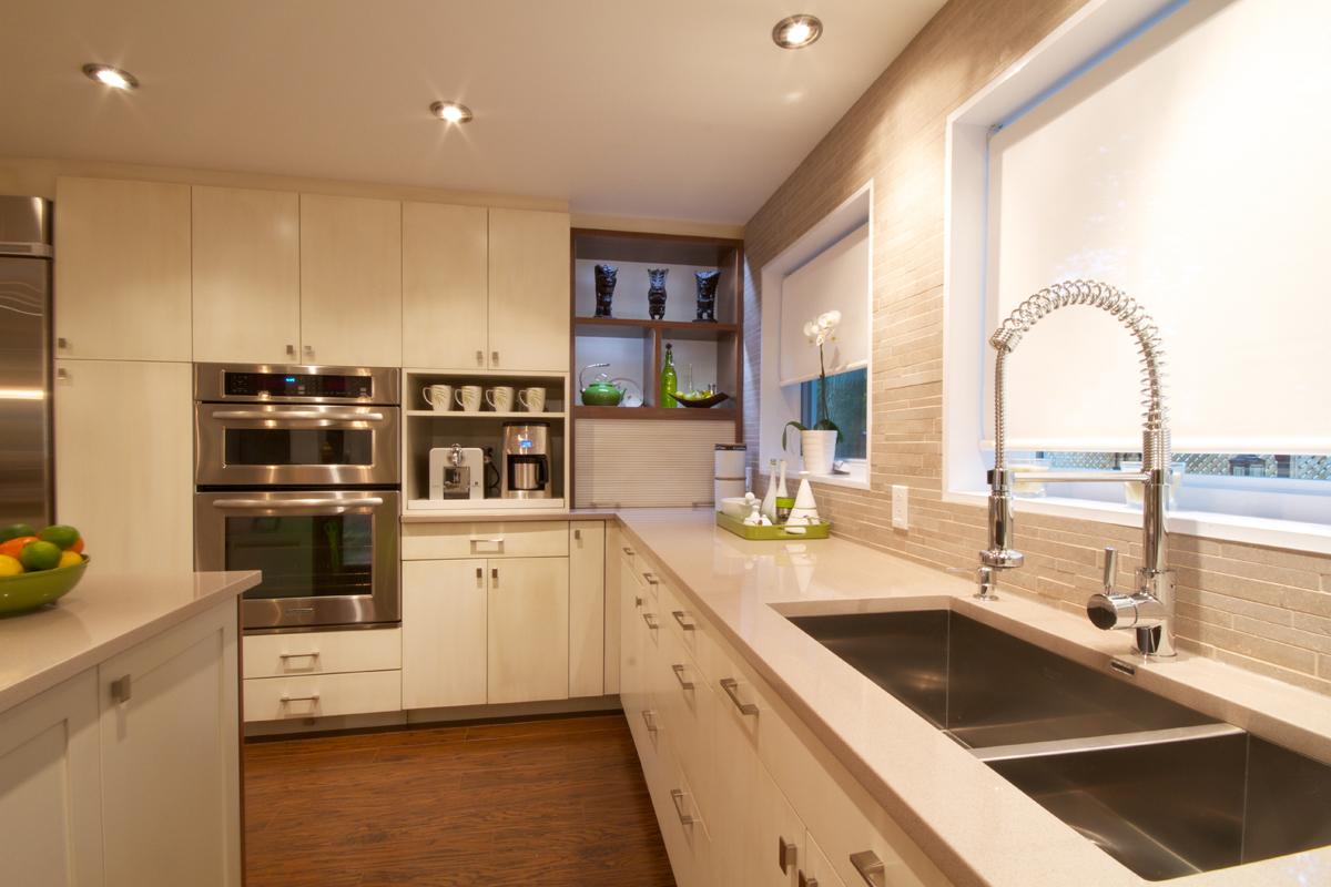 Дизайн низких потолков на кухне