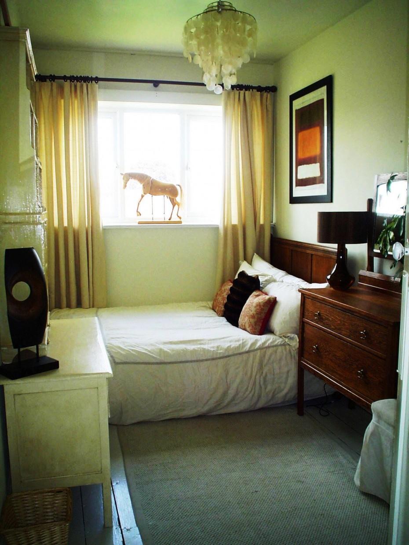 Дизайн комнаты с одним окном фото