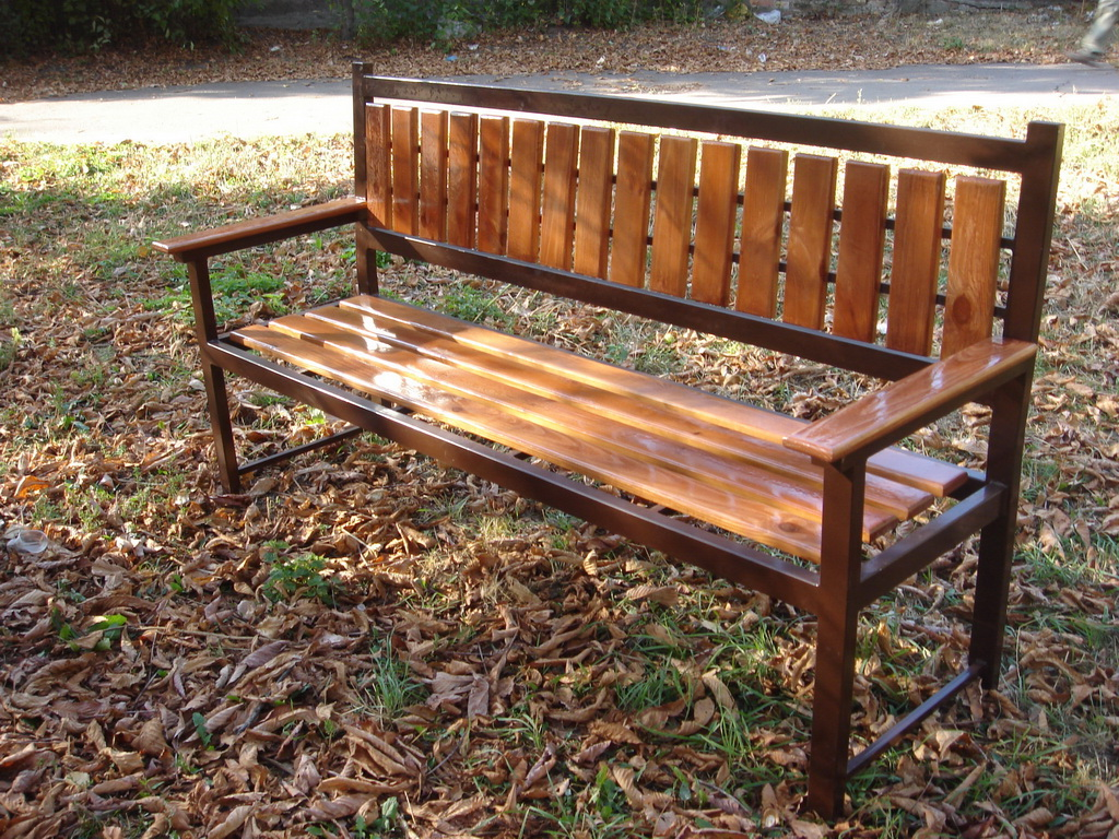Скамейка своими руками из металла и дерева