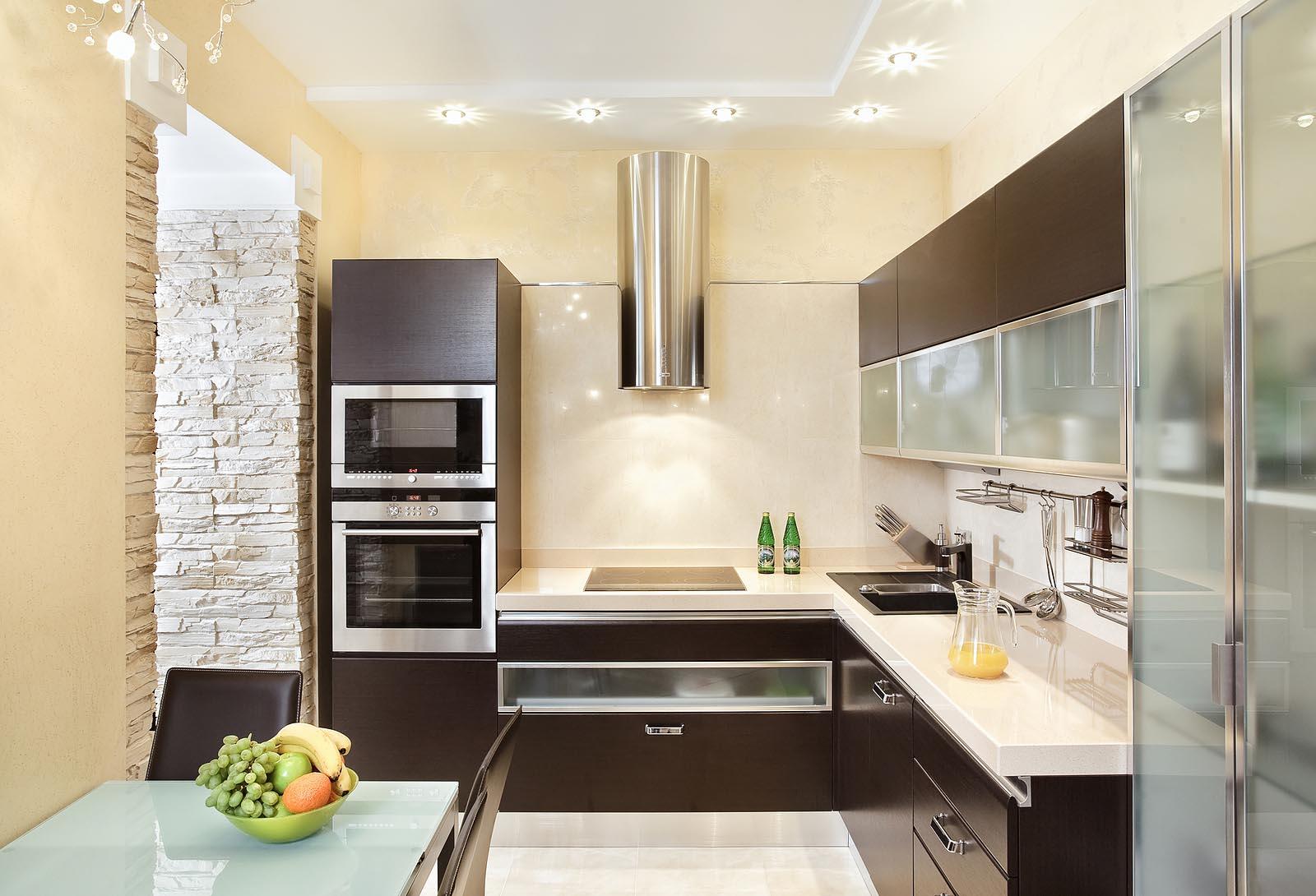 Фото маленькой белой кухни