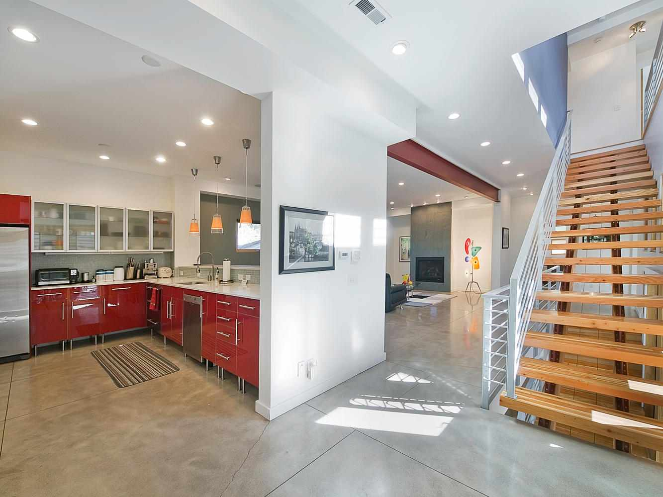 Дизайн домов снаружи и внутри 2-й этажные