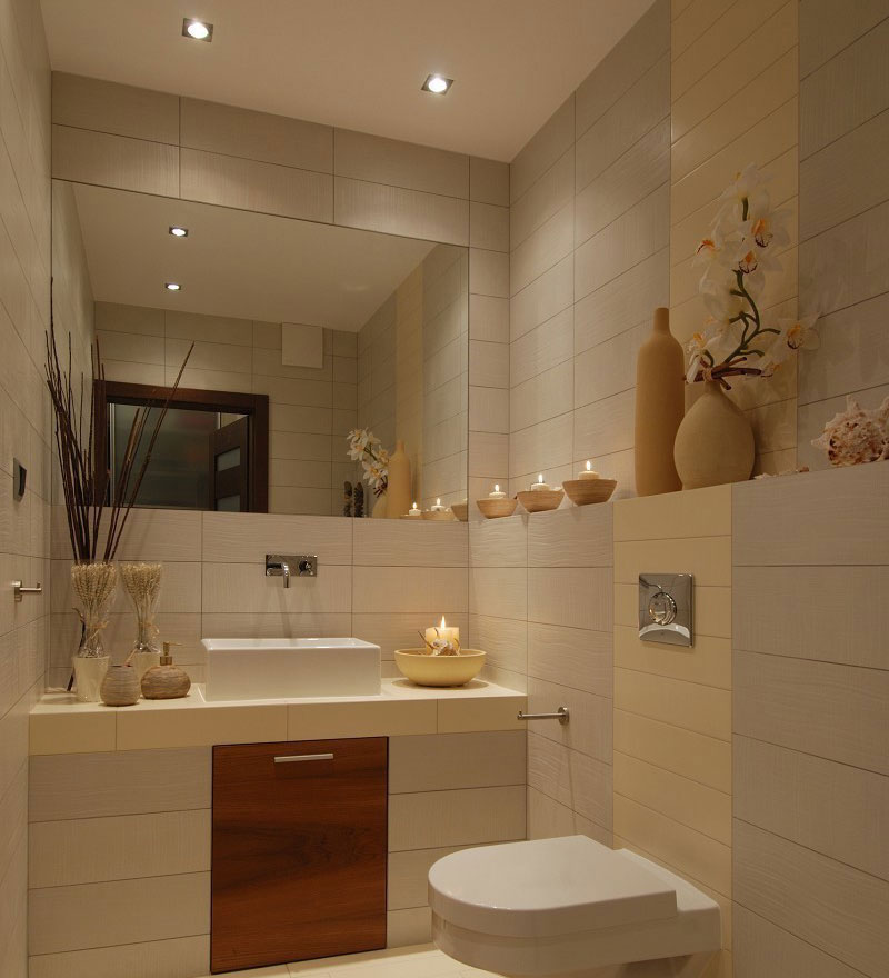 Дизайн маленькой ванной комнаты с унитазом