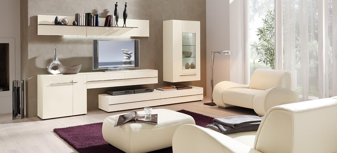Современный дизайн гостиной, с комплектацией качественной мебелью