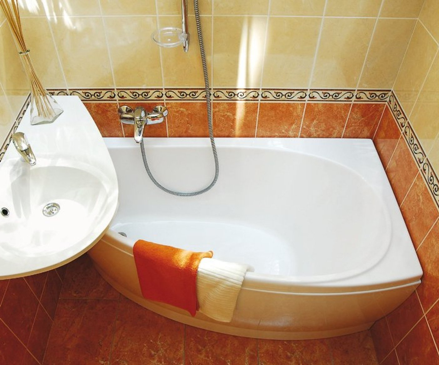 Ванные комнаты маленькие дизайн с угловой ванной