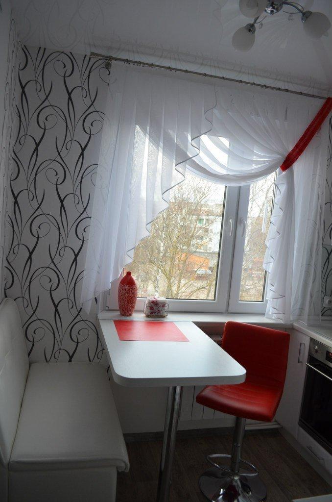 Кухня 5 кв метров хрущевка дизайн с холодильником и газовой