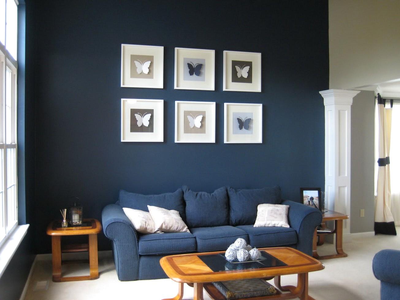 Одна стена синяя в интерьере