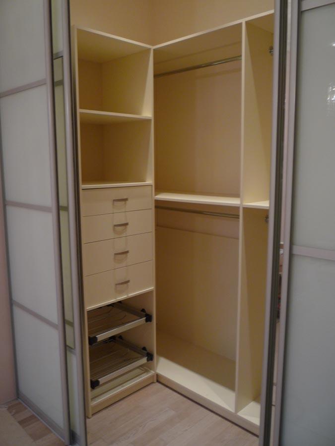 """Дизайн небольшой гардеробной комнаты фото """" современный диза."""